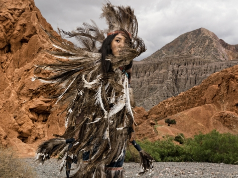 suri-feathers-argentina-vernaschi_89336_990x742