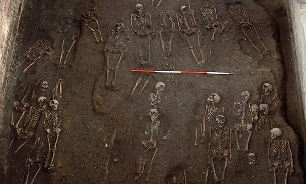 Medieval Graveyard Found Under Cambridge University