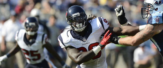 Judge OKs Concussion Settlement That May Cost NFL $1 Billion