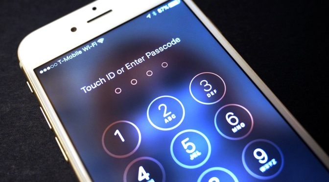 DOJ: Apple owns your iPhone's software, so it should have a backdoor