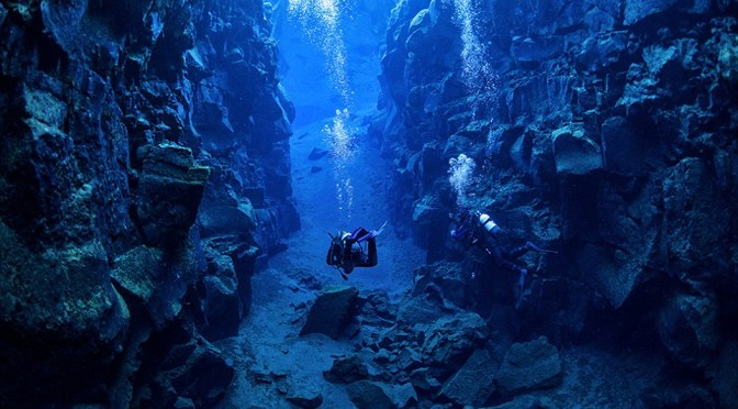 This Is What It's Like To Dive Between Two Continents