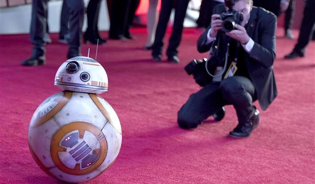 'Star Wars' Premieres In Hollywood To Massive Crowds