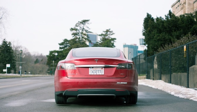 You Can Now Autonomously Park And Summon The Tesla Model S