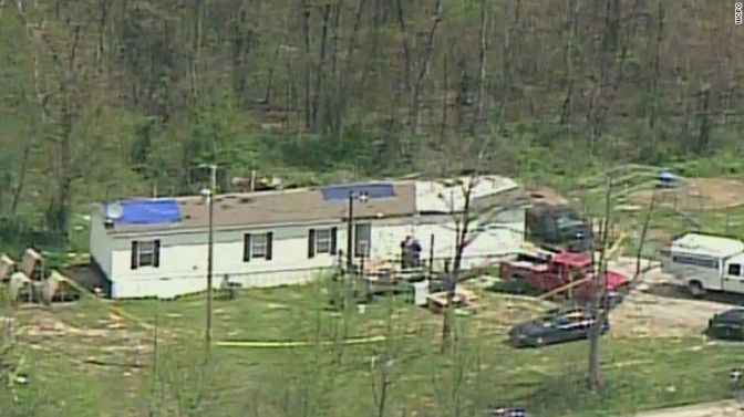 3 kids survive slaying of 8 family members in Ohio
