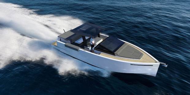 THIS SPORTY POWERBOAT IS THE PERFECT COMBINATION OF SPEED AND LUXURY