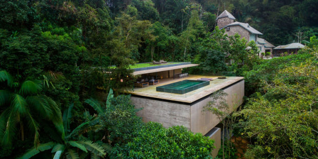 RULE THE RAIN FOREST IN THIS WILD BRAZILIAN TREEHOUSE