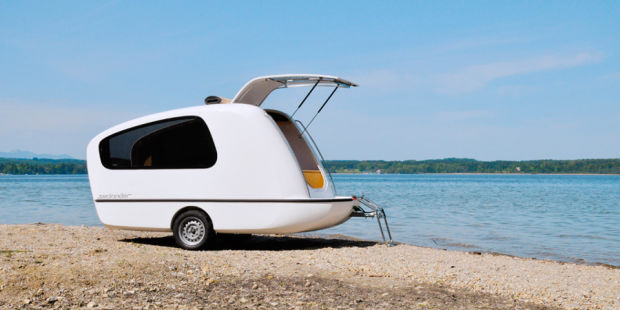 THE SEALANDER CARAVAN TRANSFORMS INTO AN AMPHIBIOUS MINI-YACHT