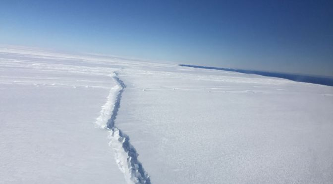 Huge Cracks In the West Antarctic Ice Sheet May Signal Its Collapse