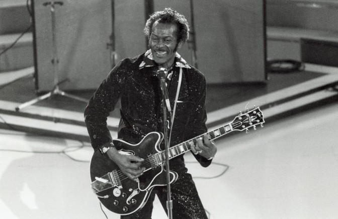 REMEMBER THE ORIGINAL ROCK ARTIST CHUCK BERRY WITH HIS 10 GREATEST SONGS