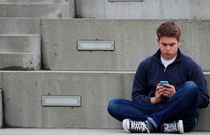 New Study Suggests Too Much Social Media Could Make You Feel Lonelier
