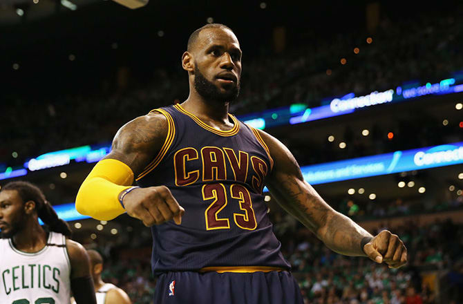 LeBron James Passes Michael Jordan as NBA's All-Time Playoff Scoring Leader