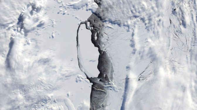 Waters Exposed By Massive Antarctic Iceberg Now a Protected Area