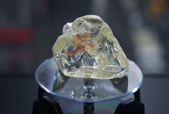 709-Carat 'Peace Diamond' Sells for $6.5 Million