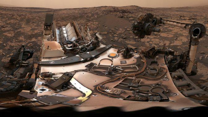 NASA's Curiosity Rover Takes a Stunning Selfie Under Dusty Martian Skies