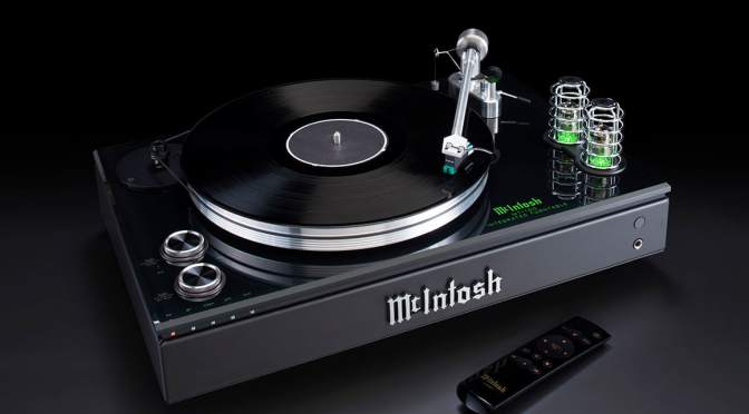 THE SLEEK MCINTOSH MTI100 WANTS TO BE THE ULTIMATE TURNTABLE FOR VINYL LOVERS