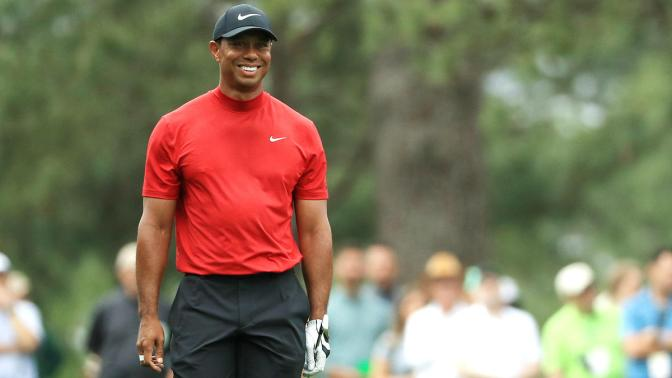 Tiger wins first Masters since 2005
