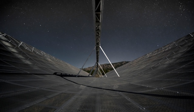 Astronomers find the first known regular pattern of fast radio bursts